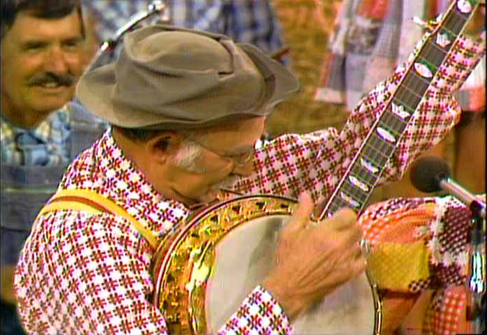 Grandpa Jones playing banjo