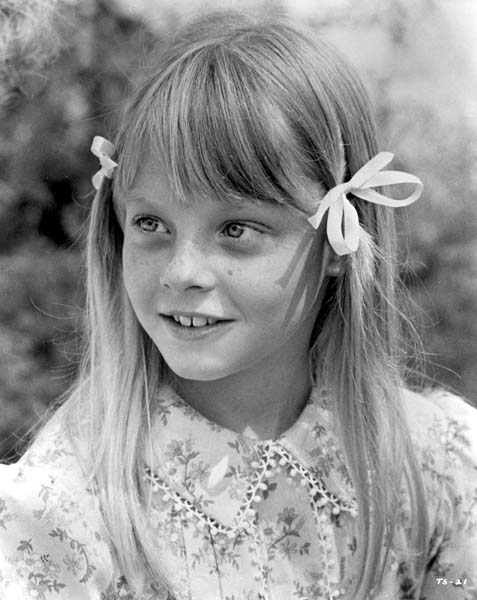 young Jodie Foster in pigtails