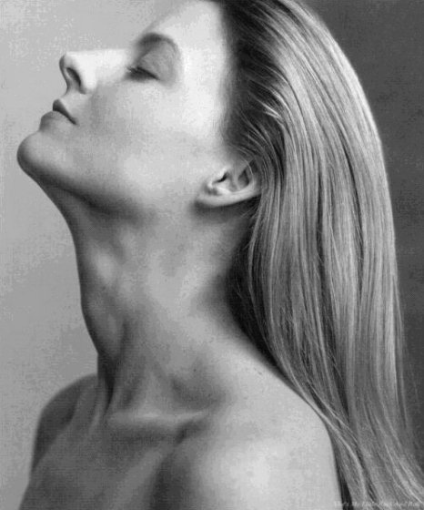 a picture of Jodie Foster's beautiful neck