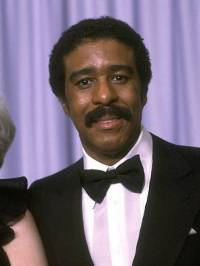 Richard Pryor in suit and tie