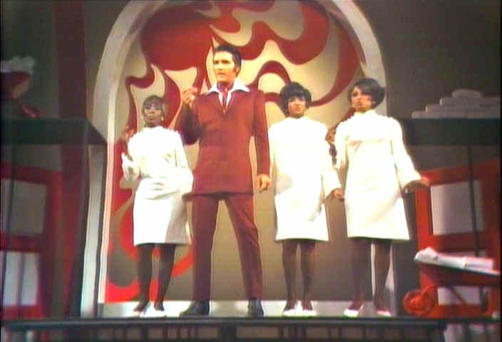 http://www.morethings.com/music/elvis/nbc1968/elvis_presley-gospel_medley024.jpg