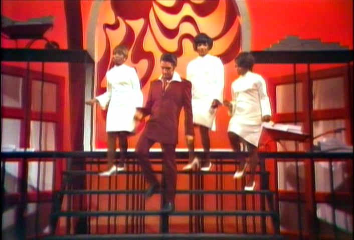 http://www.morethings.com/music/elvis/nbc1968/elvis_presley-gospel_medley027.jpg