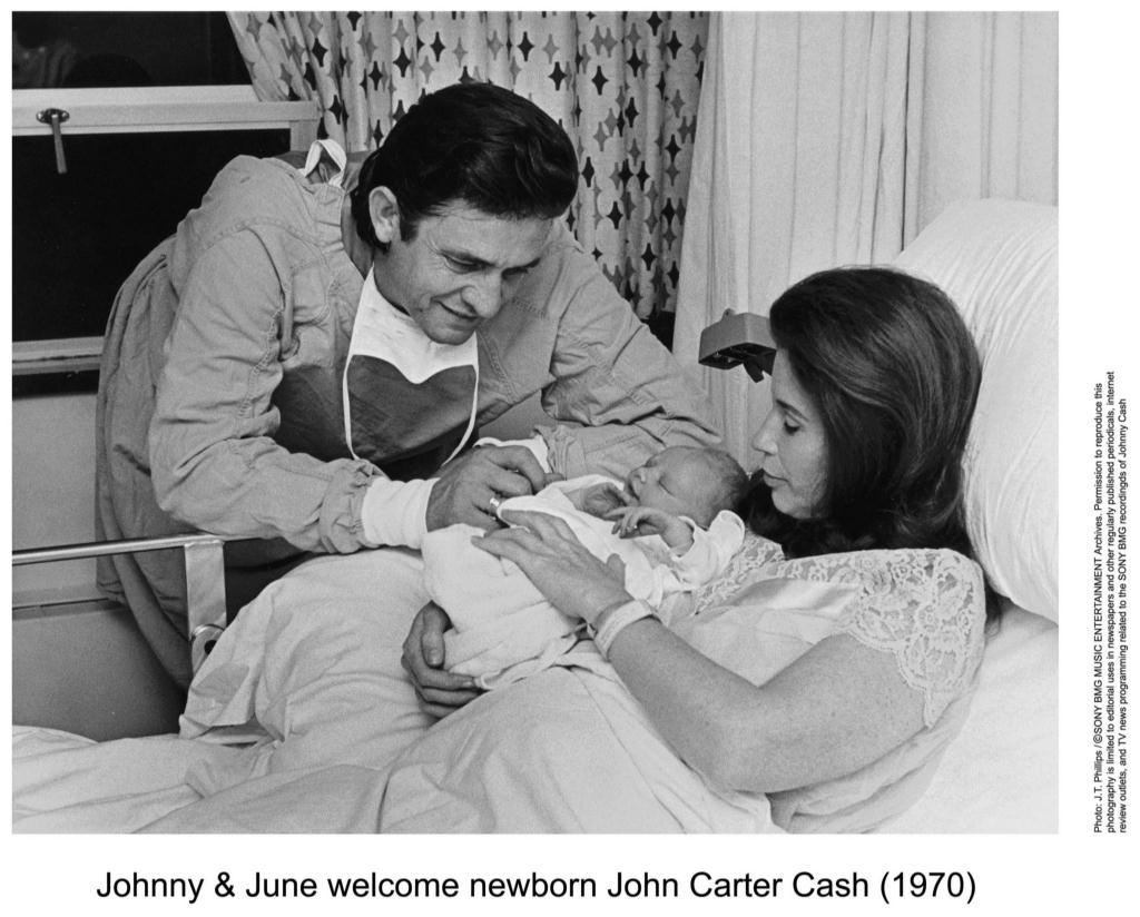 Young Johnny Cash And Vivian titdilapa: Johnny And ...