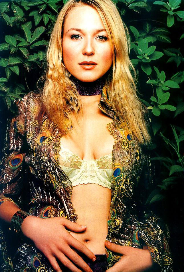 Jewel Kilcher is hot