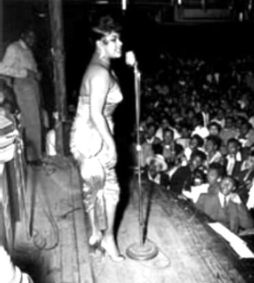 Ruth Brown on stage