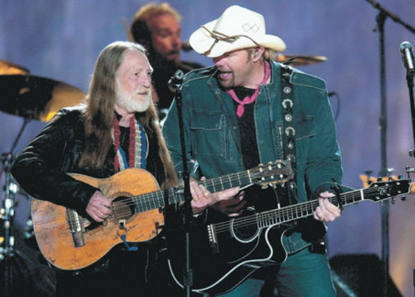 Toby Keith and Willie Nelson photo